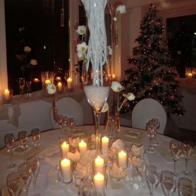 Weihnachtsfeier mit Champagner